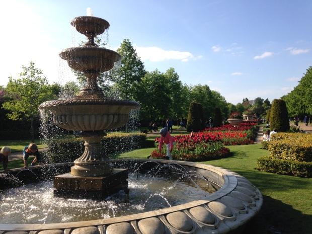 regents park fountains