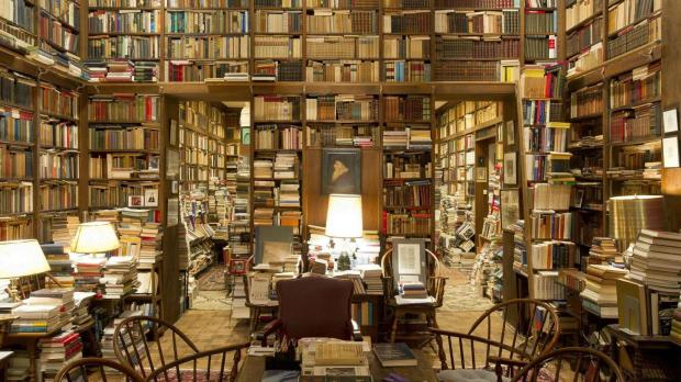 mansion-library-piles-of-books-in-a-private-college-library_www-luxurywallpapers-net_.jpg